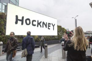 Билборд с картиной Дэвида Хокни, нарисованной на iPad