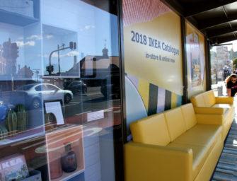 В Австралии автобусные остановки превратили в гостиные IKEA