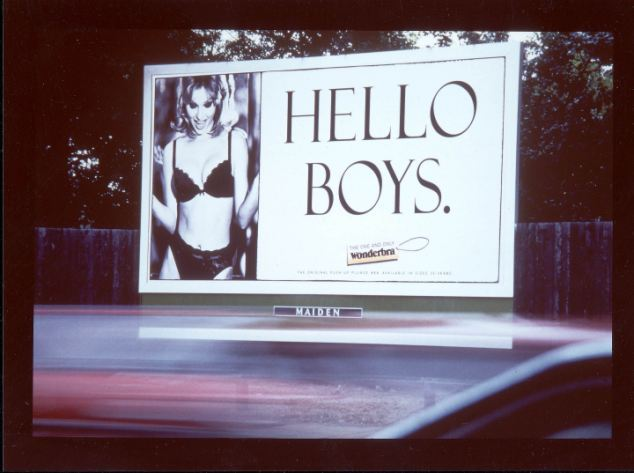 Wonderbra-Hello-Boys-billboard