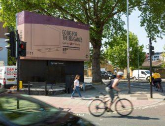 Currys PC World превратил билборды в картонные коробки из под ТВ