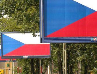Czech Outdoor обязался демонтировать придорожные конструкции