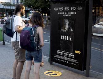 В Будапеште установили билборд для кастинга у режиссера «Касабланки»