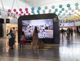 Ernst & Young предложил посетителям аэропорта JFK почувствовать себя роботами