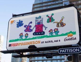 Детские рисунки стали наружной рекламой в кампании снека